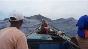 Photo: http://insights.looloo.com/itbayat-batanes-islands/